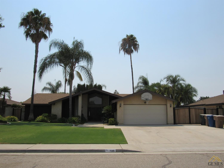 7205 Darrin Avenue, Bakersfield, CA 93308