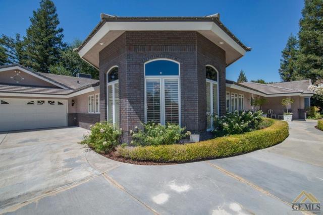 4024 Flintridge Dr, Bakersfield, CA 93306