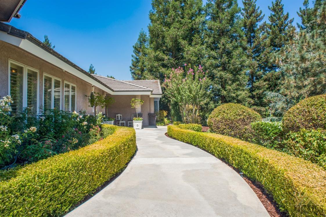 4024 Flintridge Drive, Bakersfield, CA 93306
