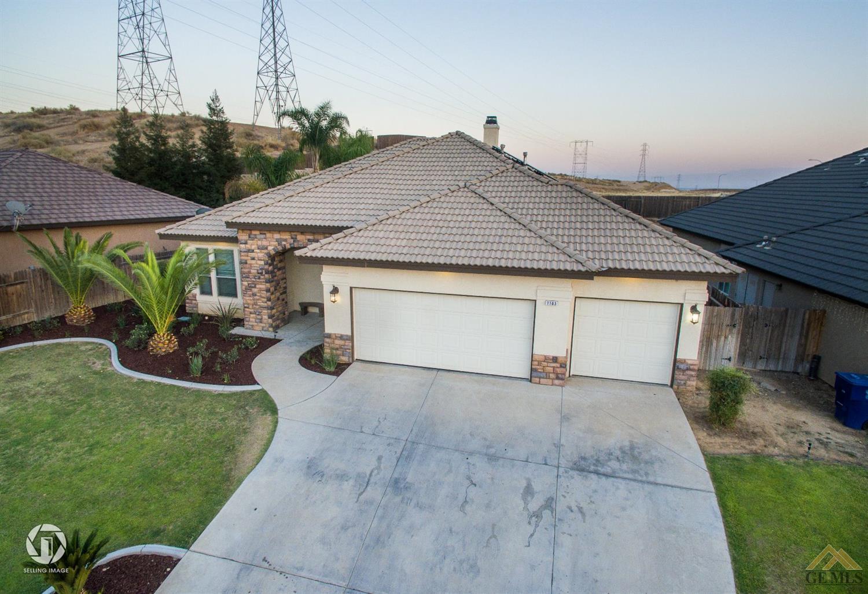 7103 Highland Knolls Drive, Bakersfield, CA 93306