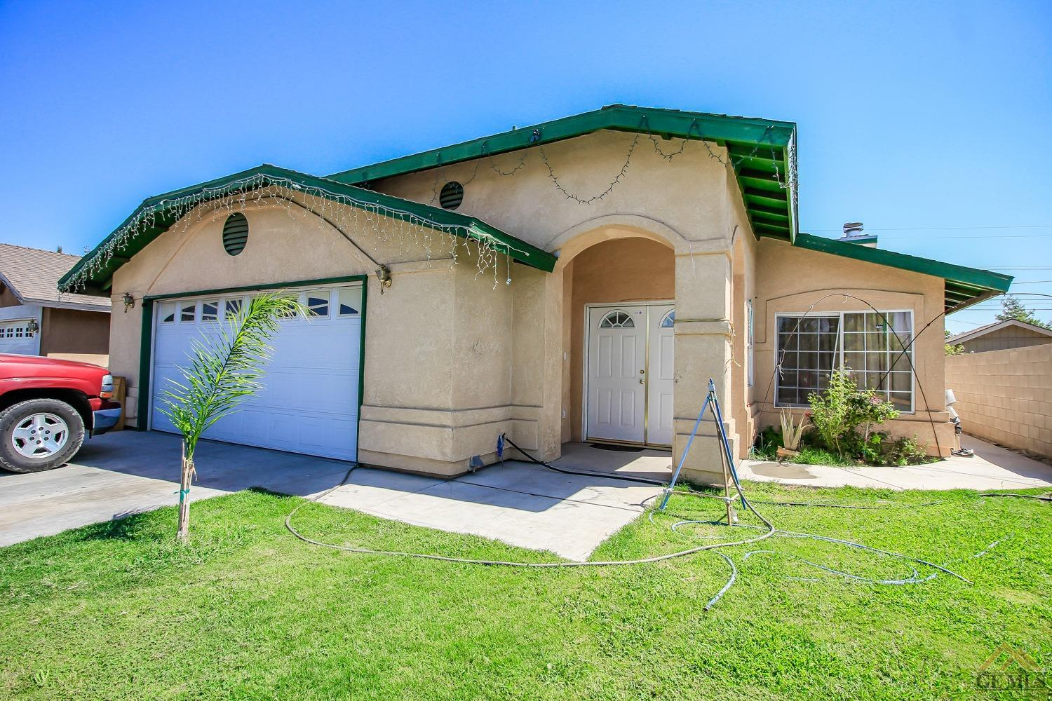 311 Tyree Toliver St, Bakersfield, CA 93307