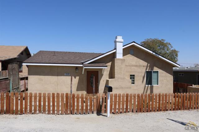 128 Wood St, Taft, CA 93268