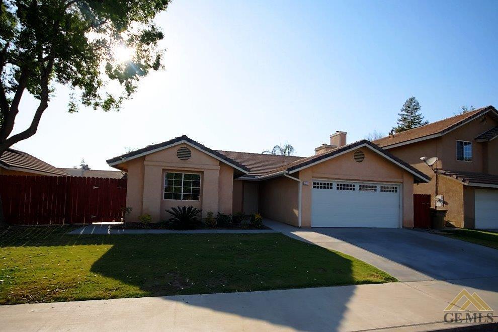 3221 Chuckwagon St, Bakersfield, CA 93312