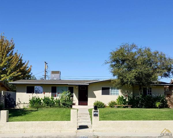 2712 Saint Marys St, Bakersfield, CA 93305