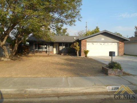 2206 Hasti Acres Dr, Bakersfield, CA 93309