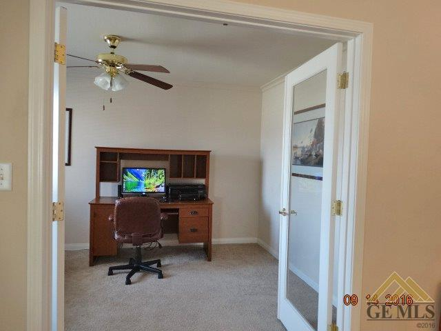 5119 Green Clover Avenue, Bakersfield, CA 93313