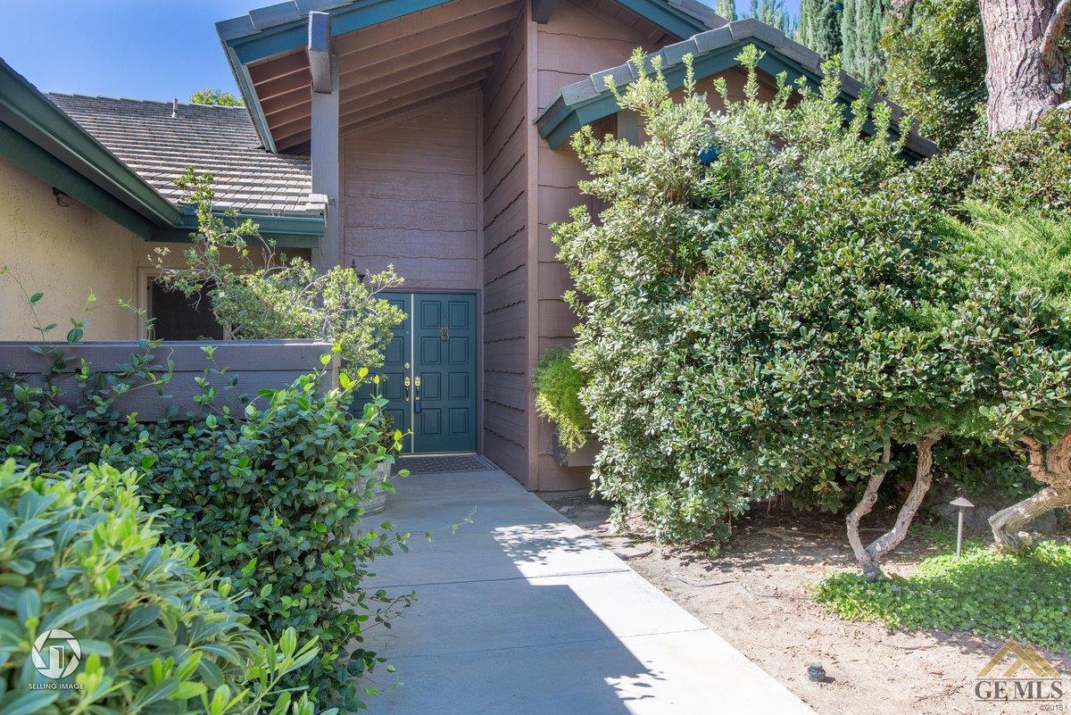 2409 Sunrise Drive, Bakersfield, CA 93309