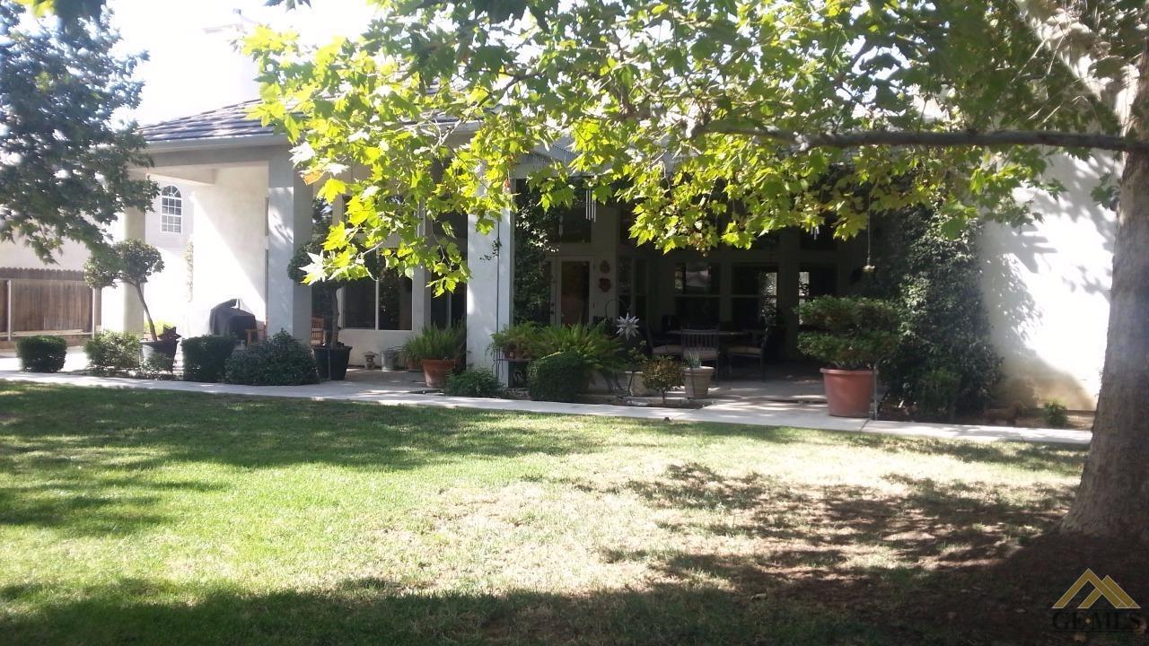6725 Park West Circle, Bakersfield, CA 93308