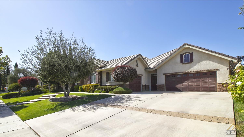 12712 Crown Crest Drive, Bakersfield, CA 93311