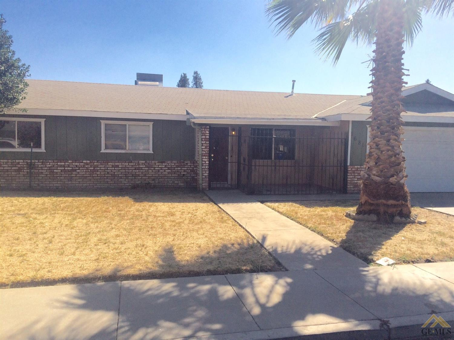 1681 Terry Court, Tulare, CA 93257