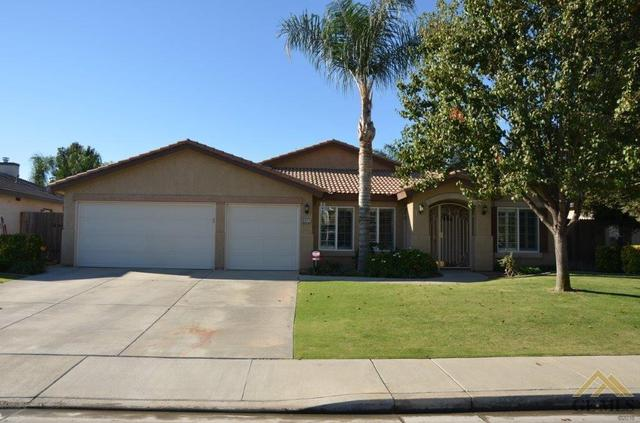 9811 Commodore Dr, Bakersfield, CA 93312