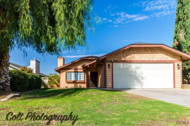 1004 Orangewood St, Bakersfield, CA 93306