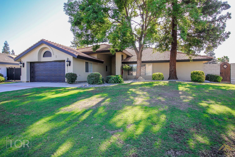2612 Oak Crest Court, Bakersfield, CA 93311