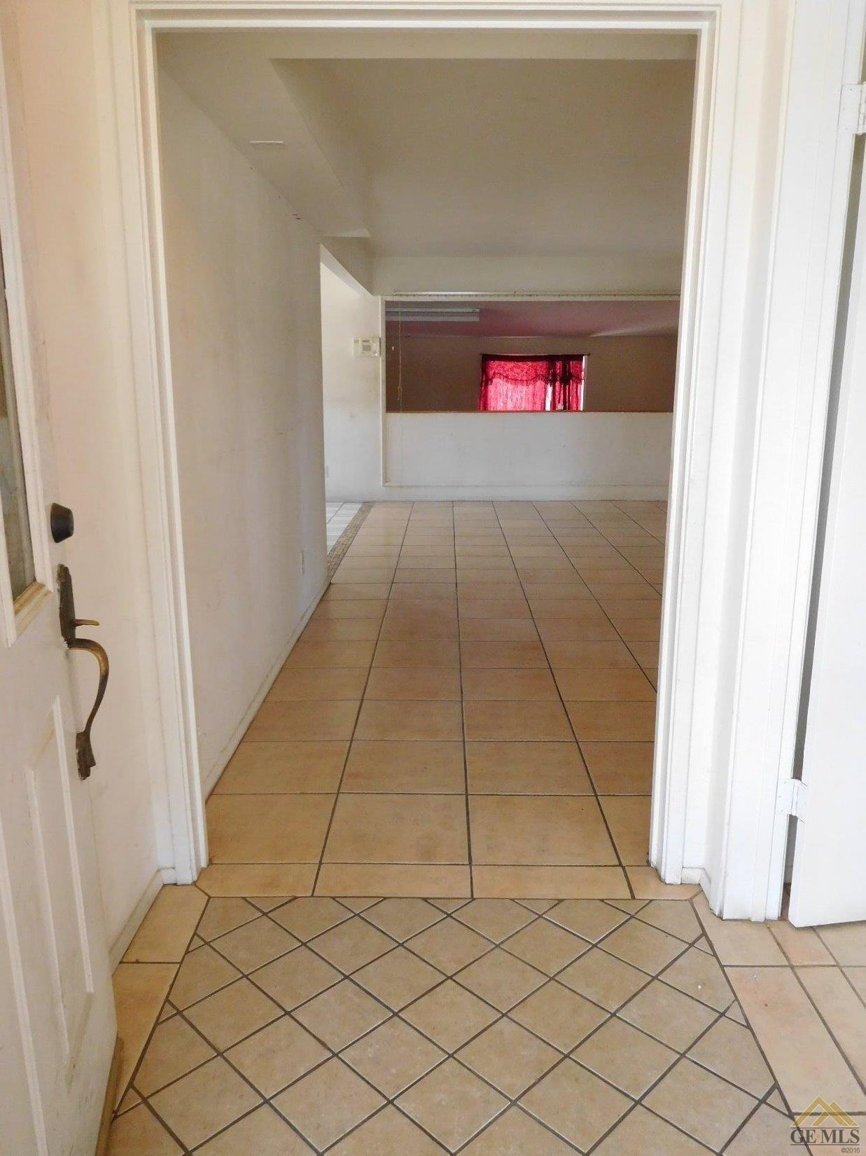 1753 Cypress Circle, Bakersfield, CA 93306