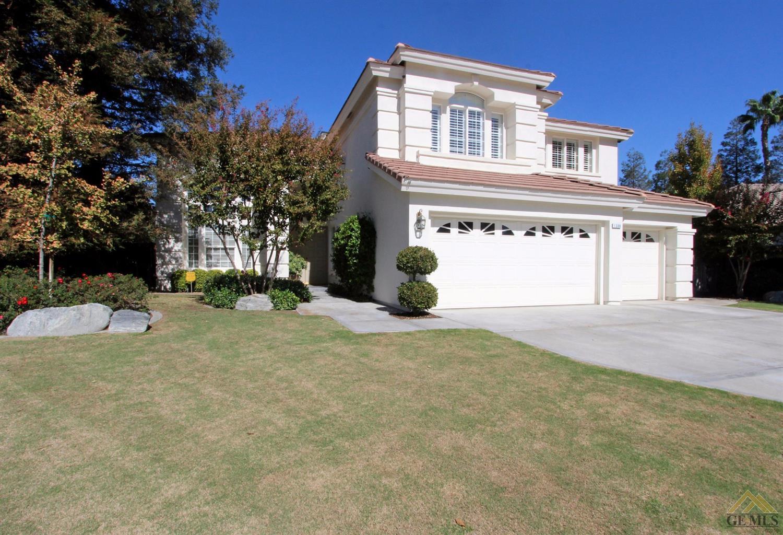 1300 Fieldspring Drive, Bakersfield, CA 93311