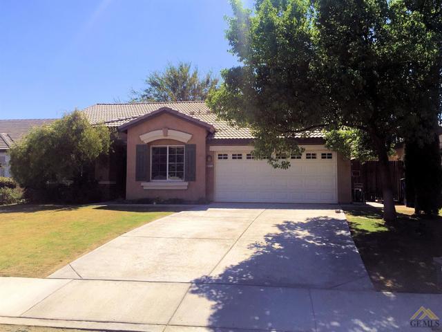 9313 Sumatra Ave, Bakersfield, CA 93311