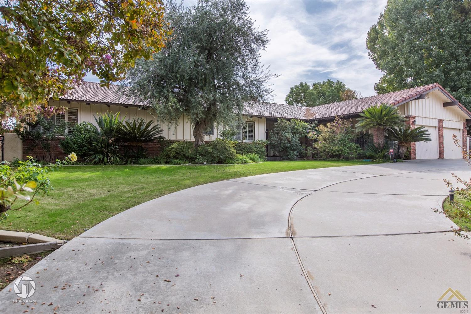 4299 Country Club Drive, Bakersfield, CA 93306