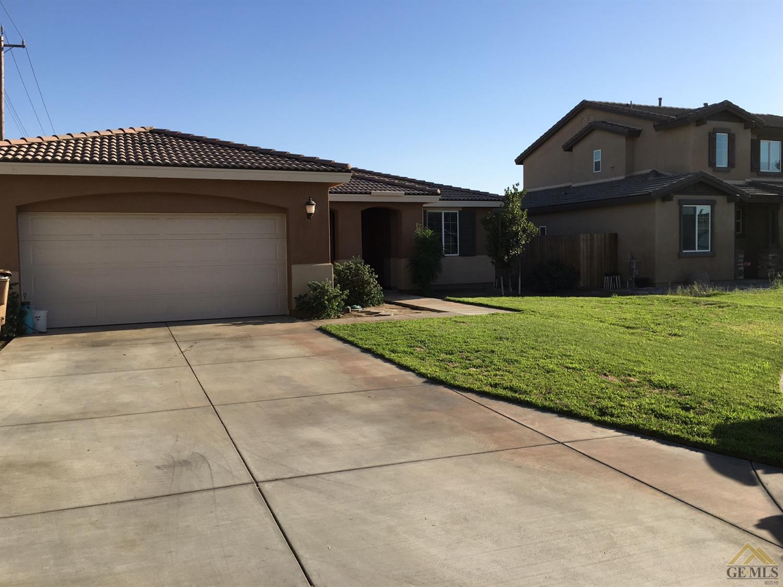 10501 Pointe Royal Drive, Bakersfield, CA 93311
