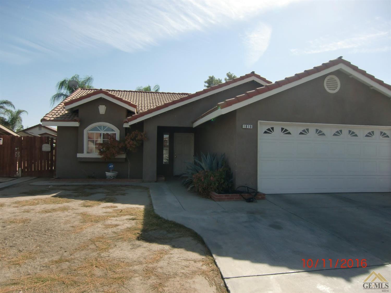 1818 Spring Ave, Delano, CA 93215