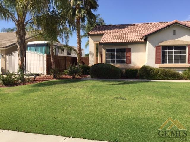 10416 Polo Saddle Dr, Bakersfield, CA 93312