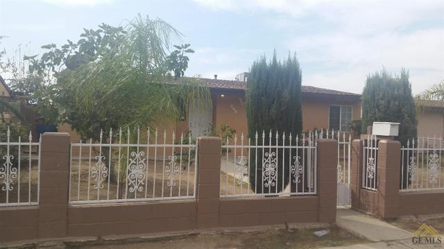208 13th Ave, Delano, CA 93215