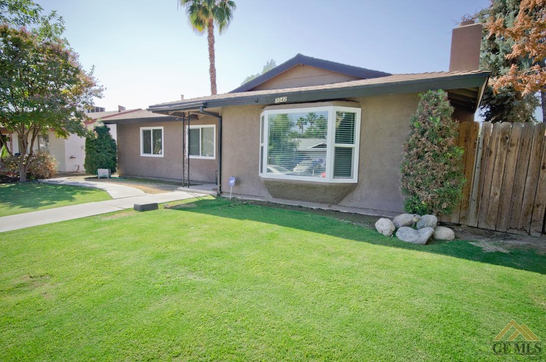 3042 Cedarwood Drive, Bakersfield, CA 93309