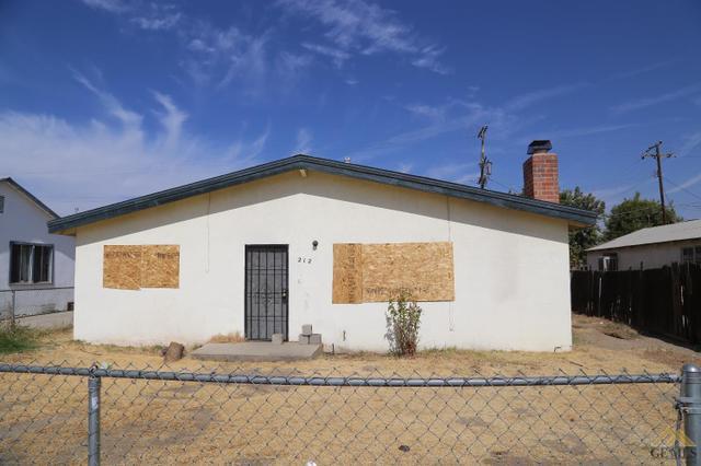 212 E Roberts Ln, Bakersfield, CA 93308