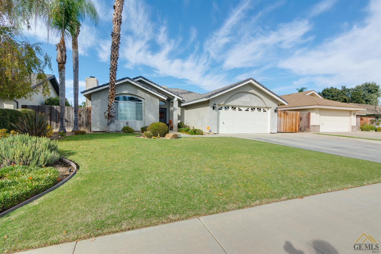9912 Vanessa Avenue, Bakersfield, CA 93312