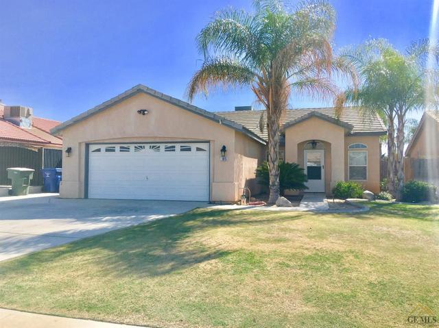 105 W Pilot Ave, Bakersfield, CA 93308