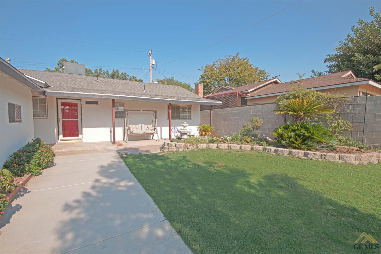2200 Edgewood Street, Bakersfield, CA 93306