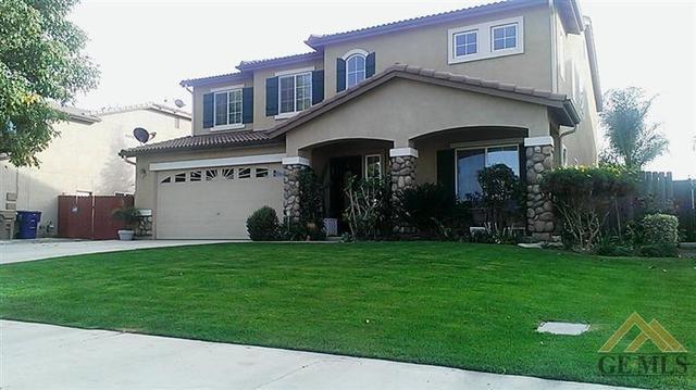 10623 Grand Prairie Dr, Bakersfield, CA 93311