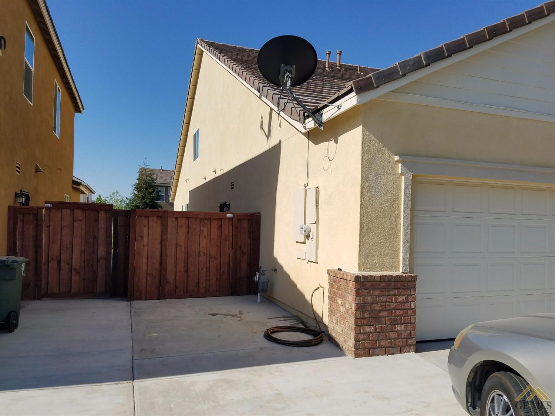 10419 Mustang Peak Drive, Bakersfield, CA 93311