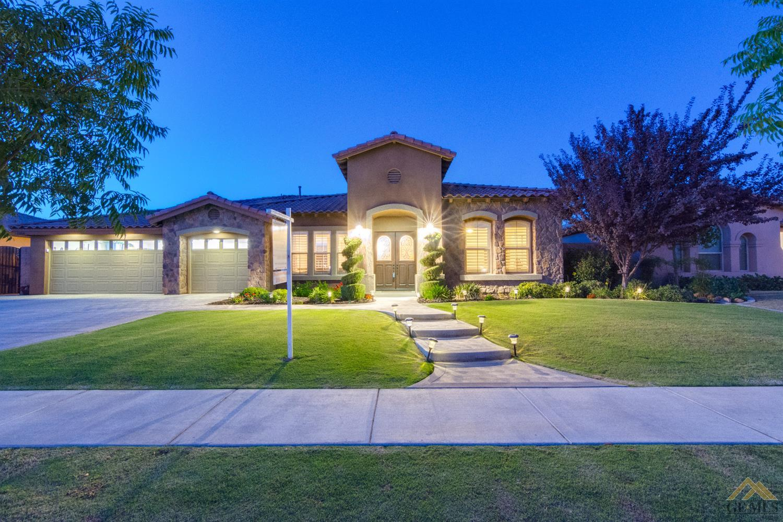 13104 Challis Forest Lane, Bakersfield, CA 93314