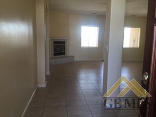 437 Brite Meadow Court, Bakersfield, CA 93308