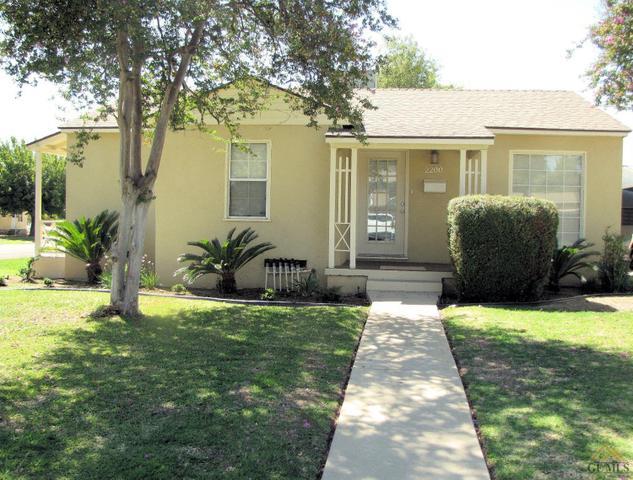2200 Alturas Dr, Bakersfield, CA 93305