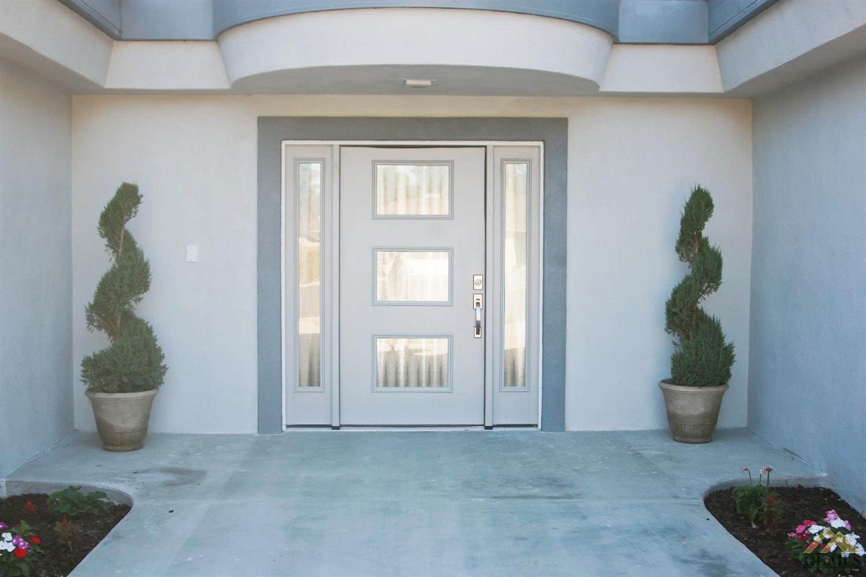 817 Ferdinand Court, Bakersfield, CA 93309