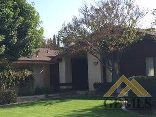 8005 Sutherland Dr, Bakersfield, CA 93309