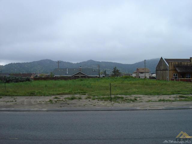 27731 Stallion Springs Dr, Tehachapi, CA 93561