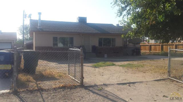 8745 Greenfield Park Dr, Bakersfield, CA 93307
