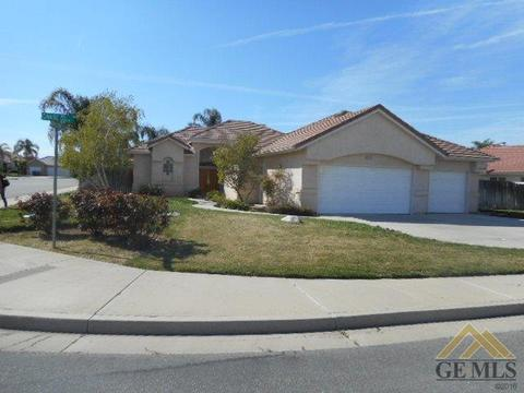 11013 Chase Ave, Bakersfield, CA 93306