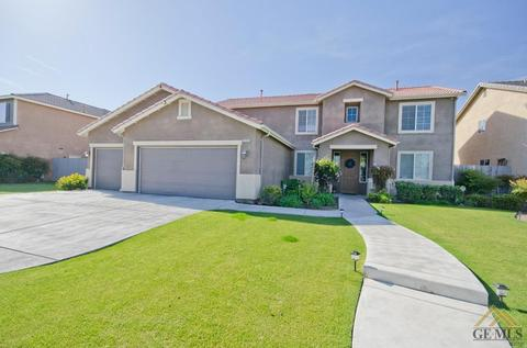 9205 Empire State Dr, Bakersfield, CA 93311