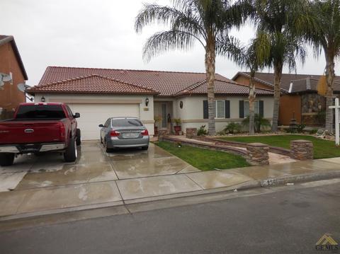 2541 Casa Serena Dr, Delano, CA 93215