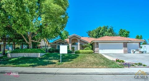 1717 Blossom Crest St, Bakersfield, CA 93314