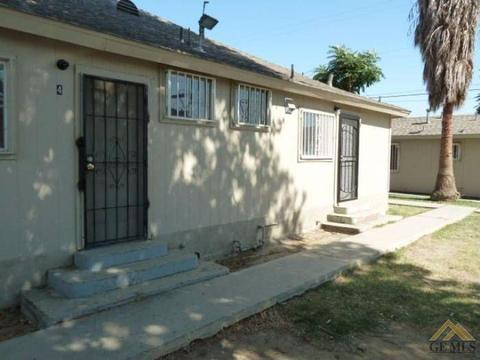 105 Hughes Ave, Bakersfield, CA 93308