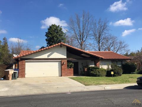 7608 Selkirk Dr, Bakersfield, CA 93309
