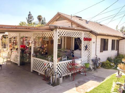 609 Bernard St, Bakersfield, CA 93305