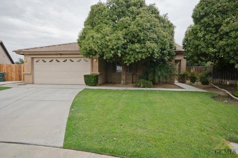 8300 Golden Perch Ct, Bakersfield, CA 93312
