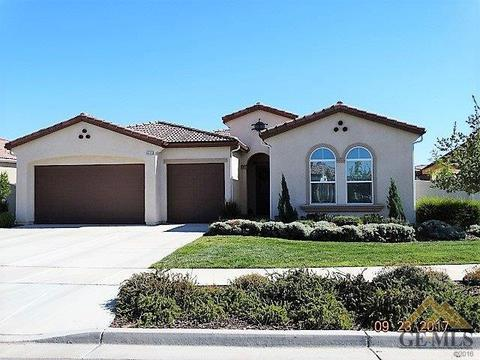 9903 Vale Royale Dr, Bakersfield, CA 93306