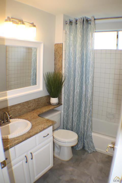 Buckingham Way Bakersfield CA MLS Movotocom - Bathroom remodeling bakersfield ca