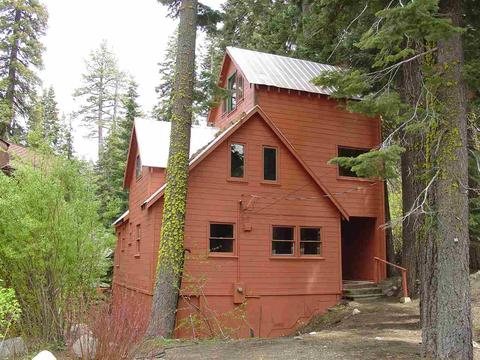 15070 Point Dr, Truckee, CA 96161